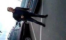 В Севастополе водитель авто угрожал пистолетом (видео 18+)