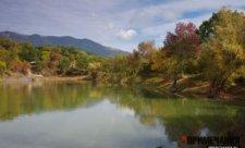 озеро горы крым