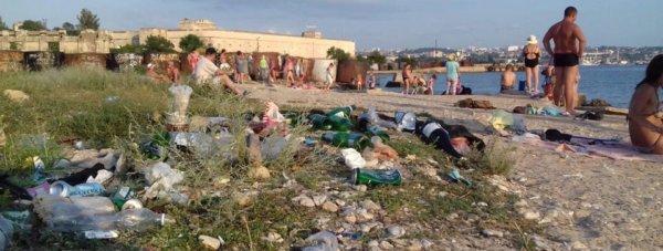 пляж севас мусор